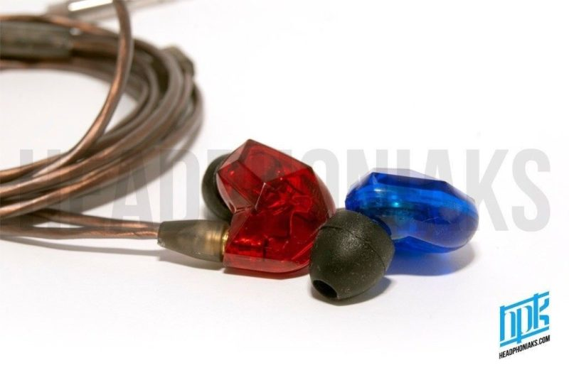 VSonic VSD3. Portable in-ear IEMs earphones