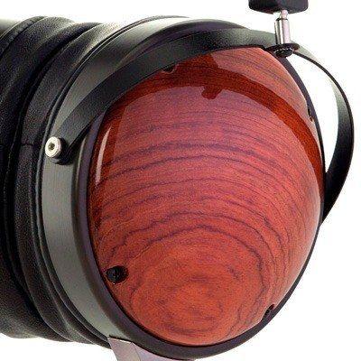 Tipos de auriculares circumaurales cerrados