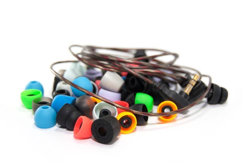 ¿Cómo ponerse auriculares in ear? Guía de uso y cuidados.