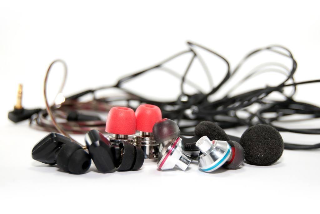 Formas de ponerse auriculares in ear.