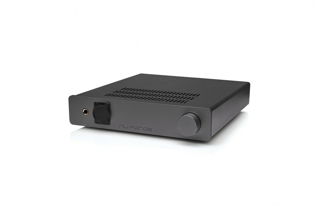 Optoma NuForce HA200. High performance headphone amp