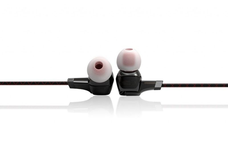 FiiO F1 dynamic in-ear monitors.