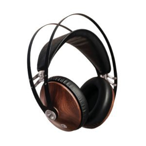 Meze 99 Classics. Closed Back headphones