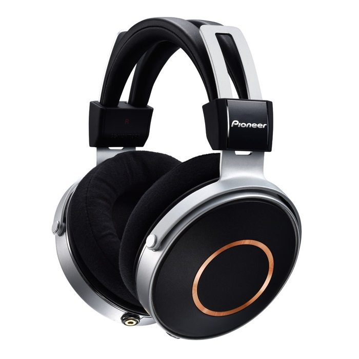 Pioneer SE-MONITOR5 Professional cloed-back HiRes headphones