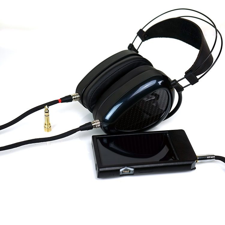MrSpeakers AEON Flow closed back planar magnetic headphones