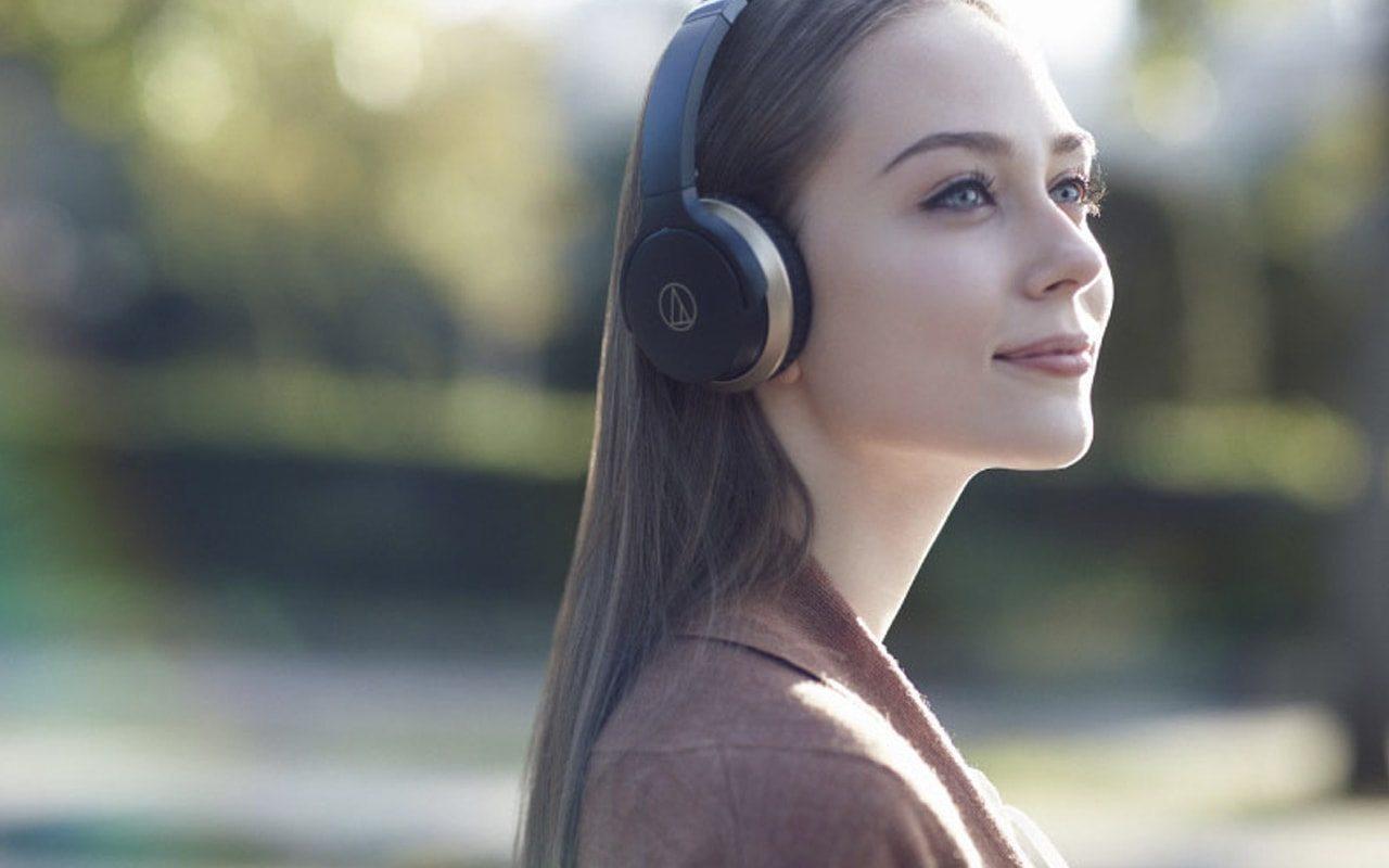 Cascos bluetooth Audio Technica urbanos y con un diseño minimalista.