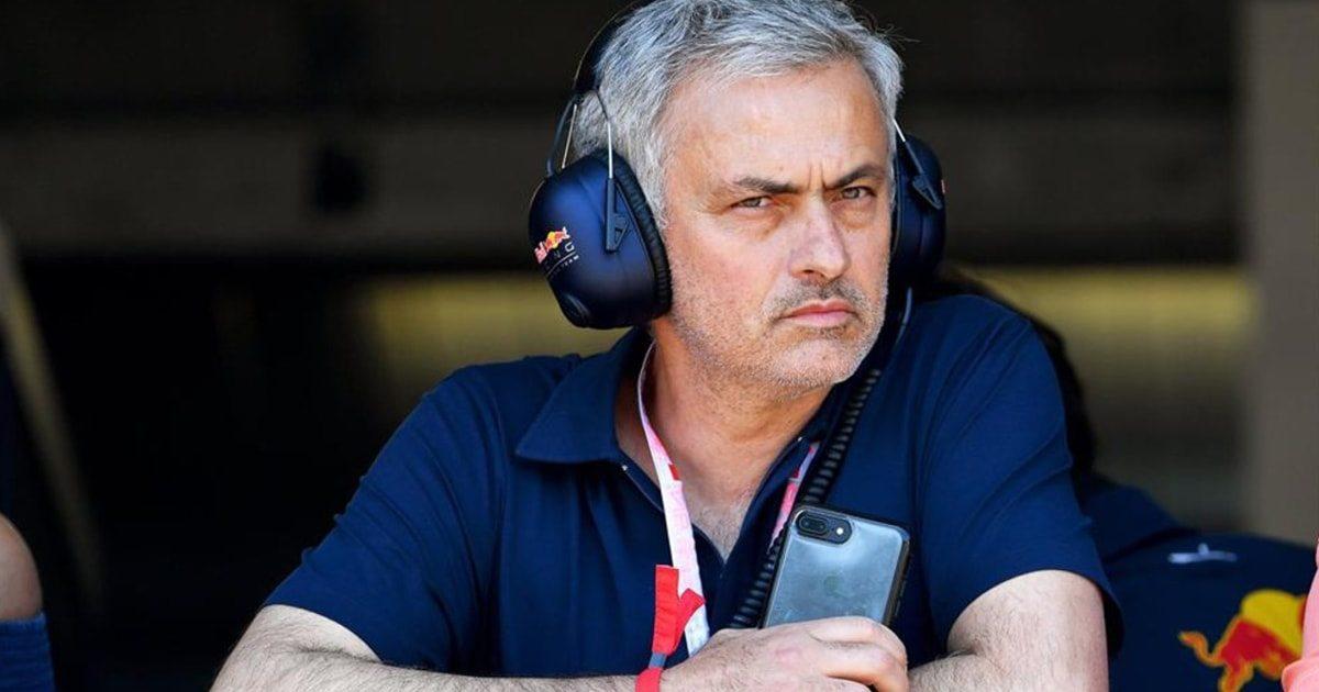 A Mourinho no le gustan ningunos auriculares de los futbolistas.