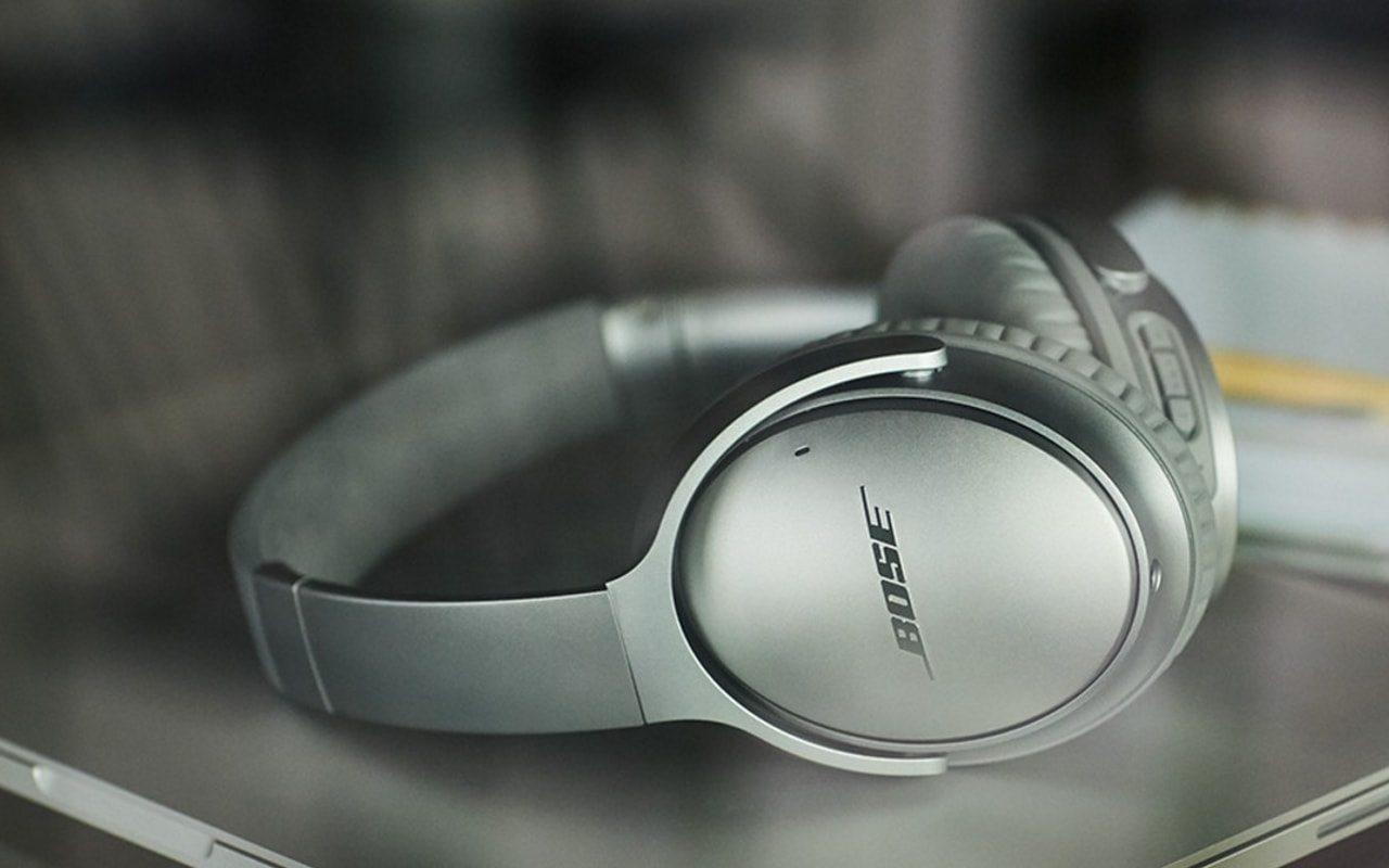 Auriculares con cancelación de ruido activa, los más vendidos en los aeropuertos.