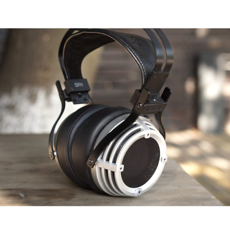 iBasso SR1 Tesla headphones with high-quality sound