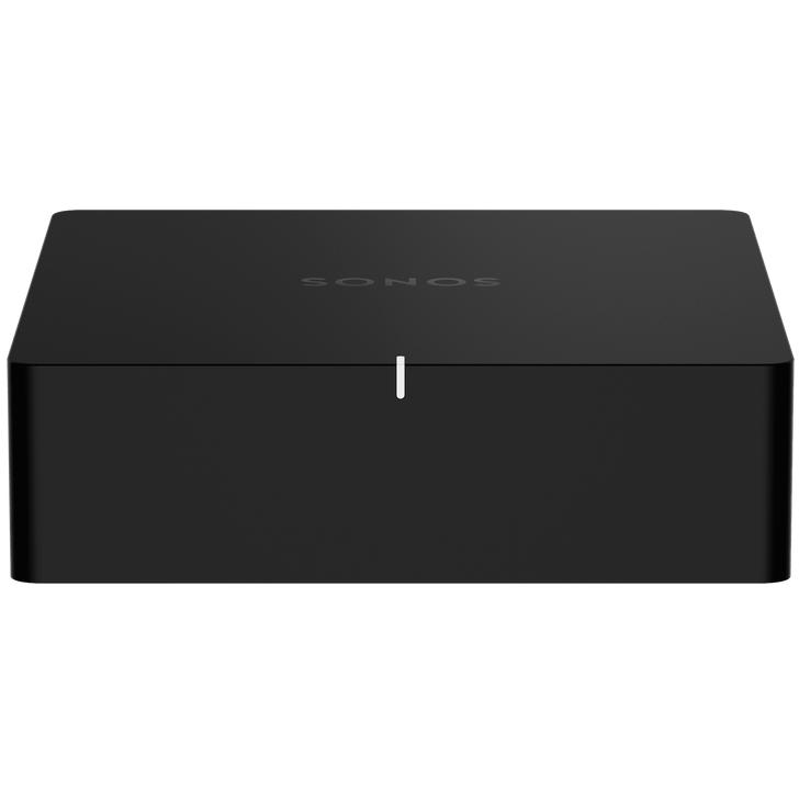 El Sonos Port es un sistema streaming versátil para tu equipo estéreo o receptor. Conecta el puerto a tu equipo estéreo tradicional para transmitir música y mucho más. Disfruta de un control total con la aplicación Sonos o Apple AirPlay 2 y amplía fácilmente el sistema de sonido a más habitaciones. Disfruta de música, podcasts, audiolibros y radio por Internet con tu equipo de audio amplificado. También puedes transmitir vinilos, CD y archivos de audio almacenados a los altavoces de Sonos de otras habitaciones de tu casa. Apple AirPlay 2 en Sonos Port Transmite sonido directamente desde tu iPhone o iPad y pide a Siri que reproduzca música de Apple. Conéctate a la entrada de línea y reproduce Utiliza la entrada de línea para conectar tu teléfono u otro dispositivo a tu equipo estéreo. Entrada y salida de línea en el Sonos Port Entrada de línea de audio para conectar tu tocadiscos, reproductor de CD u otra fuente de audio en el ecosistema de Sonos. Salida de línea de audio a través de analógico (RCA) o digital (coaxial) para conectar equipos de audio amplificado. Fácil conexión Sus 12V enciende automáticamente el estéreo o el receptor cuando se envía una señal, de modo que no se necesitan pasos adicionales o control remoto. Ecualizador integrado El sonos Port integra controles de graves y agudos ajustables para optimizar el rendimiento sonoro. Además, podrás ajustar el volumen por habitación individual o por grupos de habitaciones. WiFi y puertos Ethernet El Sonos Port cuenta con dos puertos Ethernet de 10/100 Mbps, así podrás conectarte directamente a tu router si el WiFi no funciona o es inestable. Se conecta a la red WiFi de tu hogar a través de cualquier router 802.11b/g de 2,4 GHz apto para la transmisión. Apple AirPlay 2 El sistema streaming Sonos Port funciona con AirPlay 2 en dispositivos Apple iOS 11.4 y superiores. Requisitos del sistema Equipo de audio amplificado con entradas de audio analógicas o digitales, o una fuente de audio con salida de audio, e Int