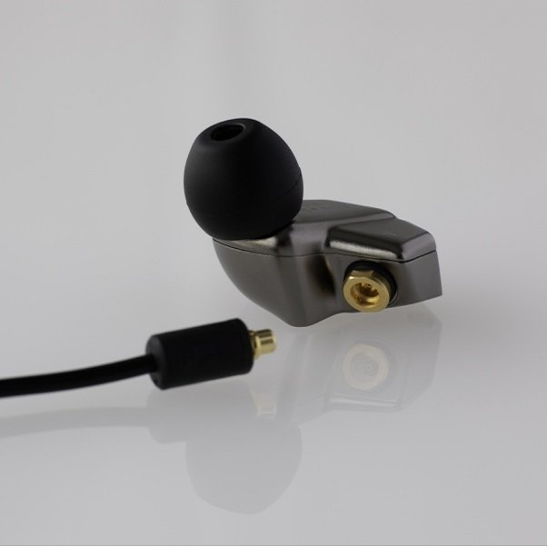Final Audio B2 auriculares in ear